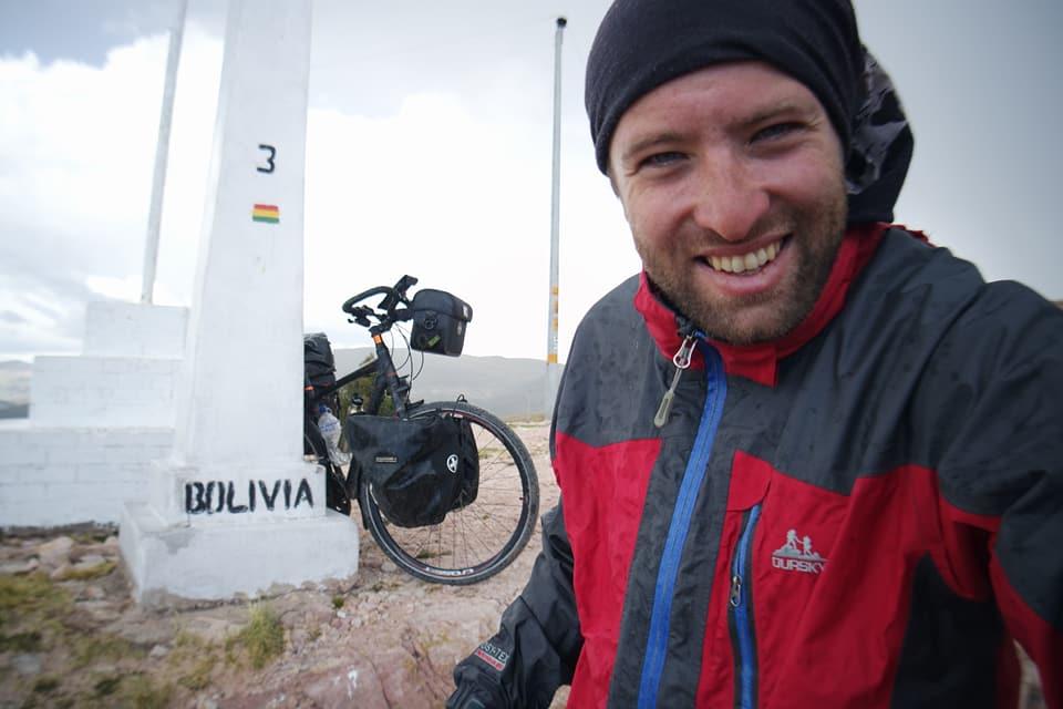 """Radu Păltineanu, călător pe bicicletă prin 19 țări: """"Planeta ideală ar fi aceea în care toți locuitorii s-ar simți iubiți"""""""